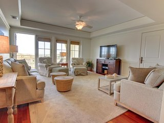 Fabulous WaterColor gulf front condo w/exclusive community pool, hot tubs