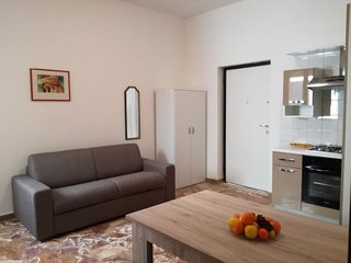 1 bedroom Apartment with Walk to Beach & Shops - 5039733