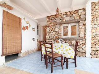 1 bedroom Villa with Air Con and Walk to Beach & Shops - 5078938