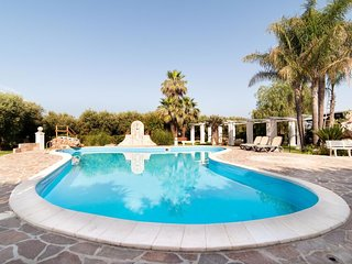 5 bedroom Villa in Zona Industriale, Apulia, Italy : ref 5250954
