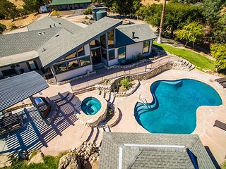 Deer Mountain--Privacy,Views, Pool & Spa, Minutes from Downtown Paso Robles!