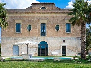 4 bedroom Villa in Cutrofiano, Apulia, Italy : ref 5488258