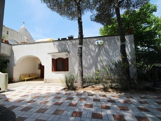 2 bedroom Villa with WiFi and Walk to Shops - 5038578