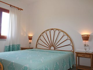 Isola Rossa Apartment Sleeps 4 - 5056436