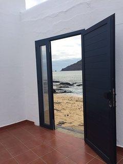 Playa en la orilla de la casa