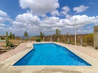 Long-term discounts: Modern house with private pool & ocean views, near beach!