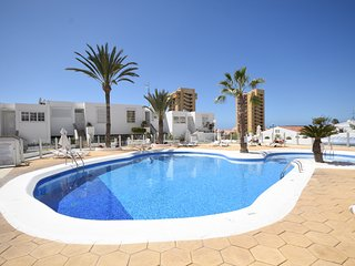 Azahara Playa 2 - Studio with private wifi internet access