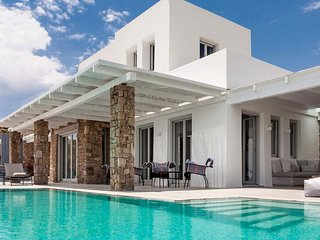 Epic Twin |13 bedrooms Luxury Villa | 26+ guests | Brand New|