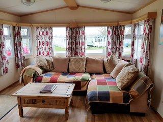 Manor Park Dog Friendly Westmorland Caravan for hire in Hunstanton