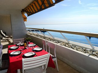BAIE DES ANGES AP4007 by RIVIERA HOLIDAY HOMES
