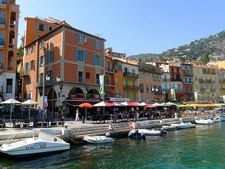 ON VILLEFRANCHE BAY AP3040 by RIVIERA HOLIDAY HOME