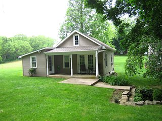 Scenic Country Cottage on 14 Pastoral Acres Next to Covered Bridge