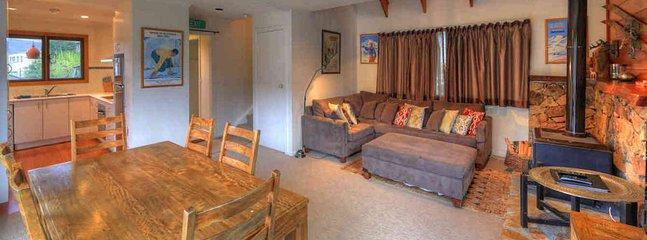 Crackenback Cottage Lounge Dining 2