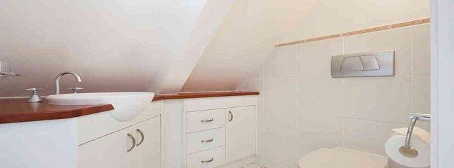 Crackenback Cottage Bathroom
