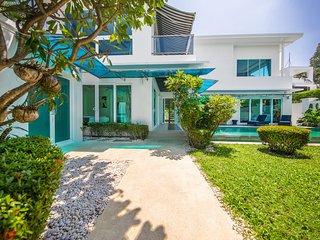 Villa Palm Oasis Jomtien - 5 Bedroom, Rooftop Sundeck