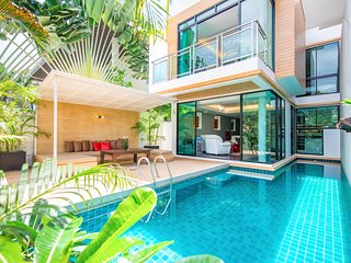 Paradise 3 Bed Private Pool Villa Pattaya