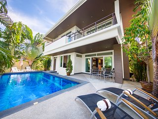 Tropicana Jomtien Beach 4 Bed Pool Villa Pattaya