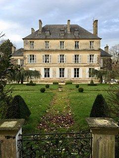 Vue arrière du château, terrasse