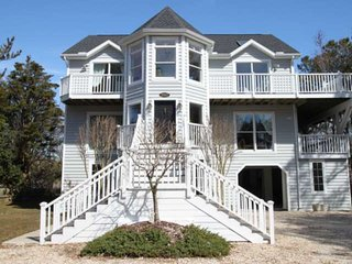 Enjoy this Awesome 5 BR luxurious Home with Elevator, 6th house to the Beach! Ch