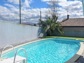 3 bedroom Villa in Cinq-Cantons, Nouvelle-Aquitaine, France : ref 5586059