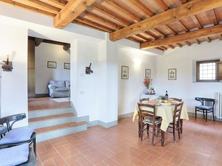 Vacciano Apartment Sleeps 4 with Pool Air Con and WiFi - 5055559