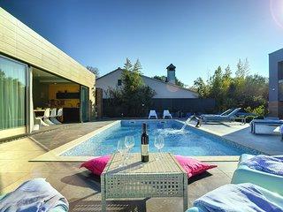 6 bedroom Villa in Banjole, Istria, Croatia : ref 5586136