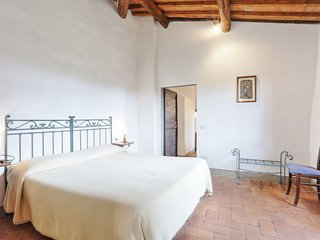 Vacciano Apartment Sleeps 4 with Pool Air Con and WiFi - 5055560