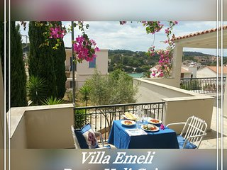 Villa Emeli - Sea view & near a private beach