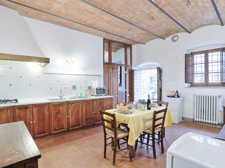 Vacciano Apartment Sleeps 3 with Pool Air Con and WiFi - 5055569