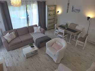 2 bedroom Apartment in Capbreton, Nouvelle-Aquitaine, France : ref 5585991
