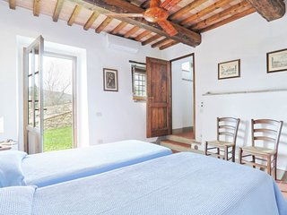Vacciano Apartment Sleeps 5 with Pool and WiFi - 5055562