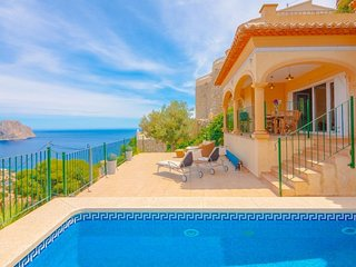 5 bedroom Villa with Pool, Air Con and WiFi - 5586486