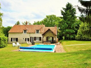 7 bedroom Villa in Les Billiens, Bourgogne-Franche-Comte, France : ref 5586211
