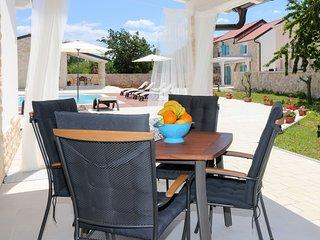 2 bedroom Villa in Gulin, Sibensko-Kninska Zupanija, Croatia : ref 5586151