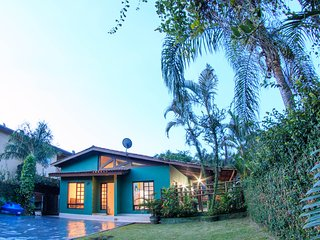 Conforto, seguranca e natureza na Casa Verde/ wifi - 300m da praia