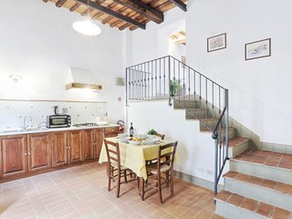 Vacciano Apartment Sleeps 5 with Pool Air Con and WiFi - 5055570