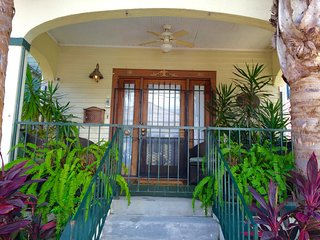 FRENCH QUARTER LUXURY, 1-3 BR, BA OPTION, THE BLAIRHOUSE Lisc#14730  3PM CHECKIN