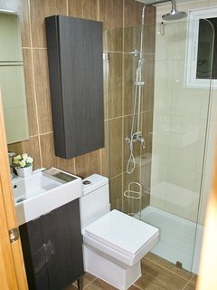 2ND BEDROOM PRIV BATHROOM WITH RAINFALL SHOWER
