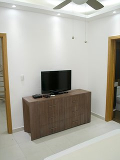 2ND BEDROOM WITH TV CHANNELS AND NETFLIX