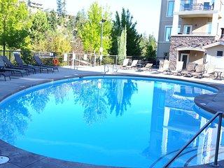 NEWLY FURNISHED LUXURY VACATION RETREAT at Okanagan Golf Resort; pool & hot tub