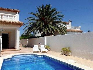 Muy bonita casa adosada con piscina privada para 8 personas en Miami Playa