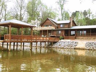 Camm's Lakeside Retreat - 240 Degree View Of Lake Wylie, 1 Acre Pier Gazebo