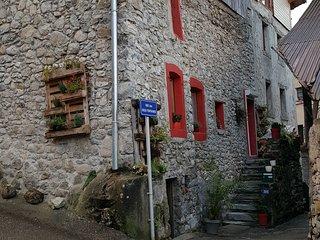 Charmante maison à 2km de la frontière Suisse et 13km d'Evian