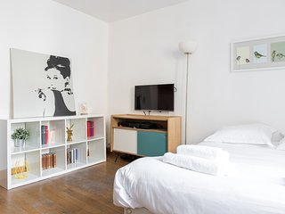 19. SPACIOUS STUDIO IN THE HEART OF PARIS - PANTHEON - LATIN QUARTER