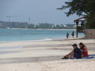Seven Mile Beach - Island Pine Villas
