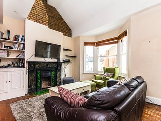 Characterful, homely 2 bedroom mezzanine flat. Private use. London W6
