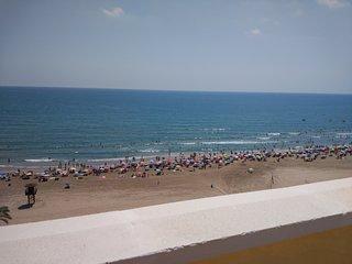Atico dúplex en primera línea de playa grupos numerosos