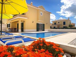 Charmante Villa avec piscine privee,proche mer et commodites