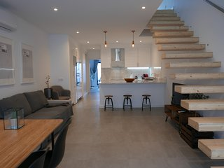 Casa Sarmento - Modern Stylish 3 Bedroom House near Lisbon center