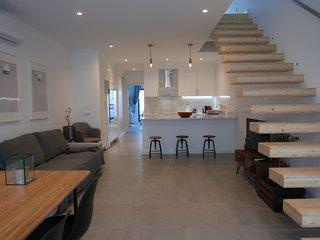 Casa Sarmento - Modern Stylish 3 Bedroom House near Lisbon center